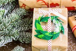 abbellire-pacchetti-regalo-feltro