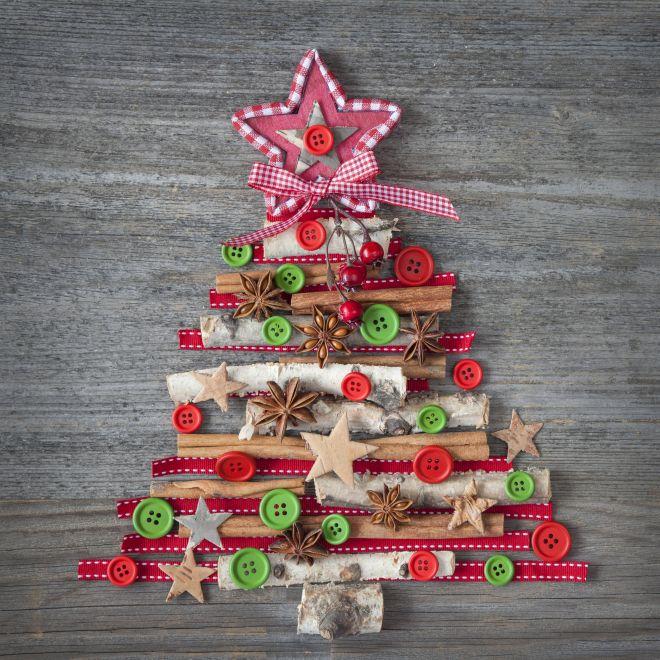 albero-di-natale-alternativo-ecologico-legno-cannella-nastri