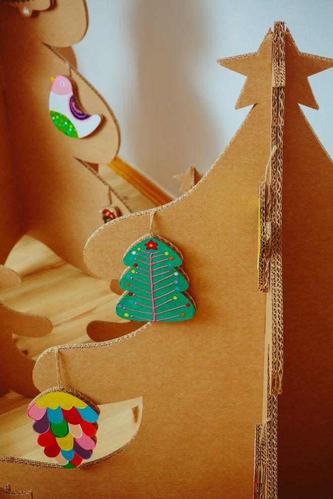 albero-di-natale-ecologico-alternativo-cartone-fai-da-te