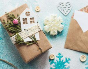 come-incartare-un-regalo-di-natale-in-modo-raffinato